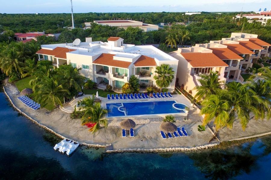 Aventuras Club Marina | Featured Image