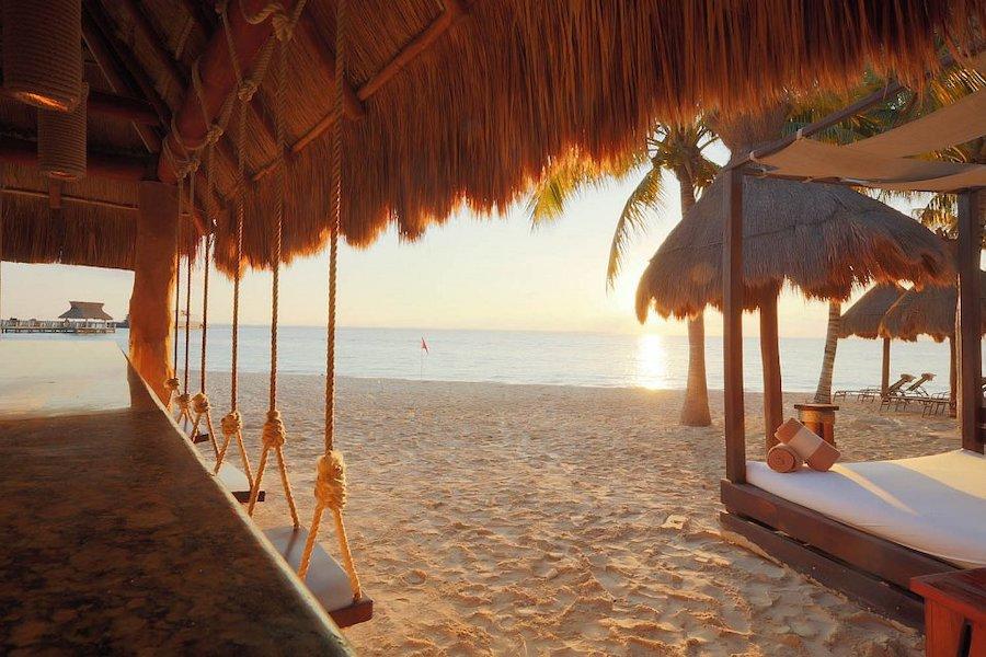 Villa del Palmar Cancun | Featured Image